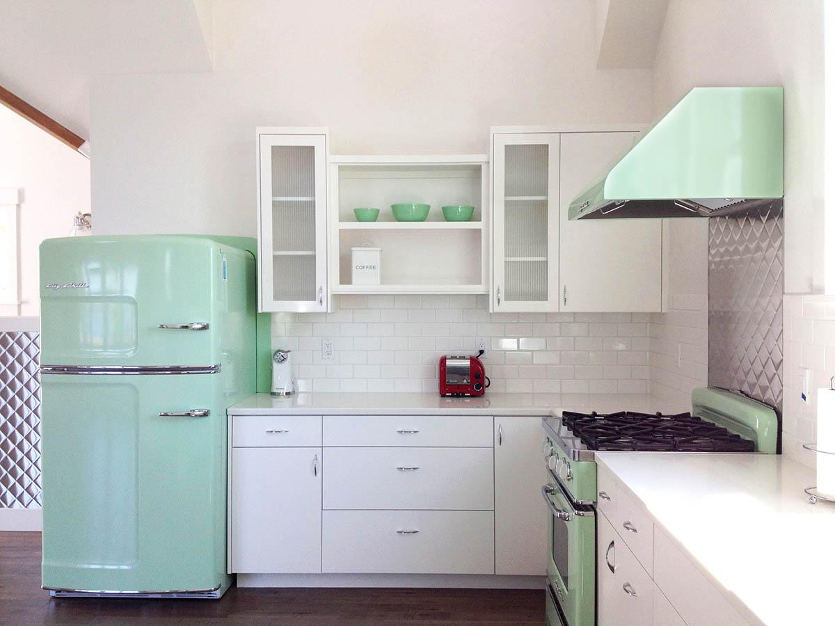 jadite-green-retro-kitchen.jpg