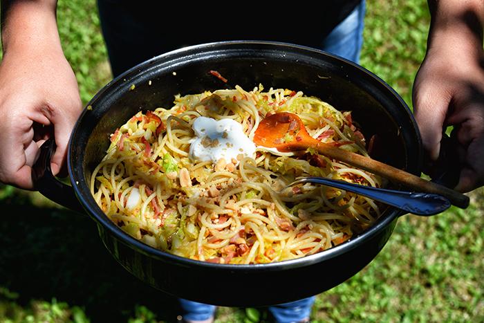 kelkaposztas_sonkas_spagetti_kesz-700.jpg