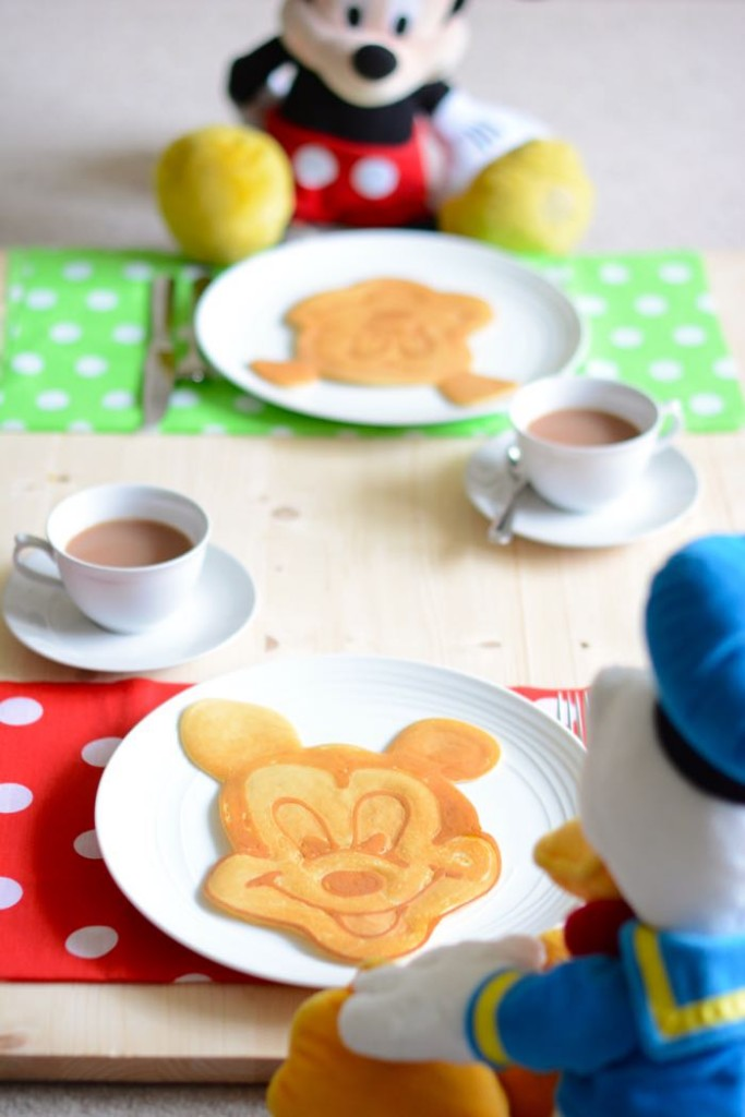mickey-mouse-pancake-mickey-with-donald-683x1024.jpg