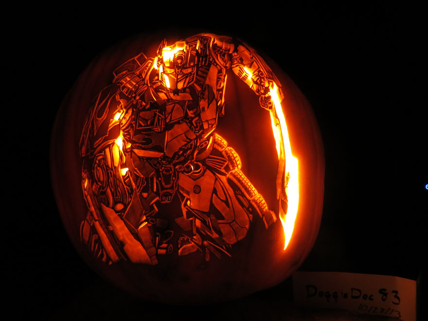 pumpkin-optimus-prime-large-59e743af4e0f4_880.jpg