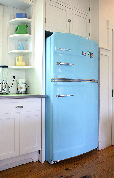 retro-fridge-blue.jpeg