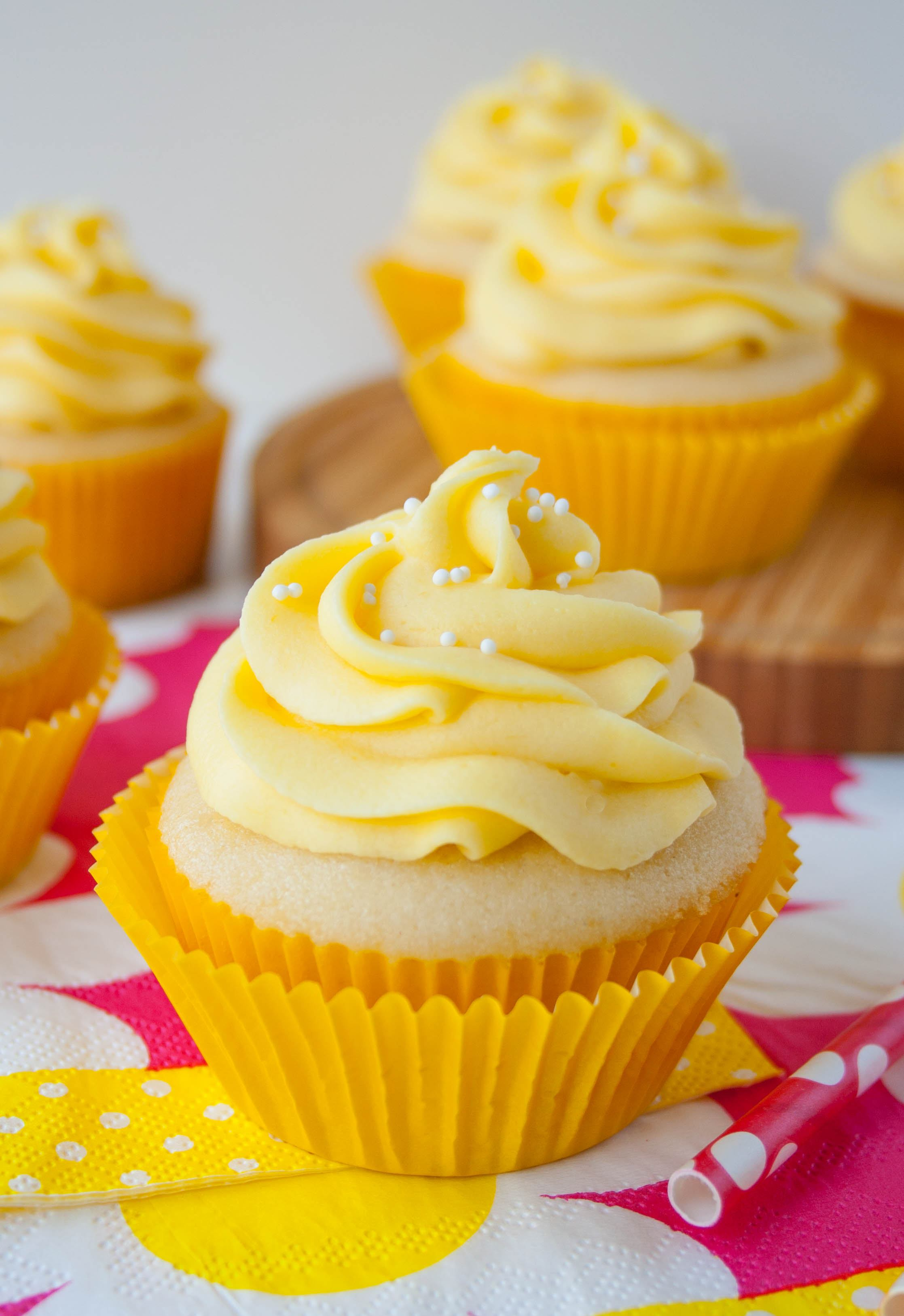 tropical-mango-vanilla-cupcakes-2.jpg