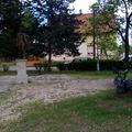 Egyszer eltávolították,  most ismét szemeteszsákokkal van tele  a Petőfi park!