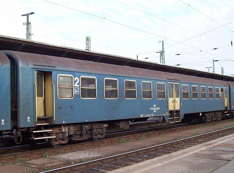 nahverkehrswagen-bhv-mit-zwei-mitteltueren-85218.jpg