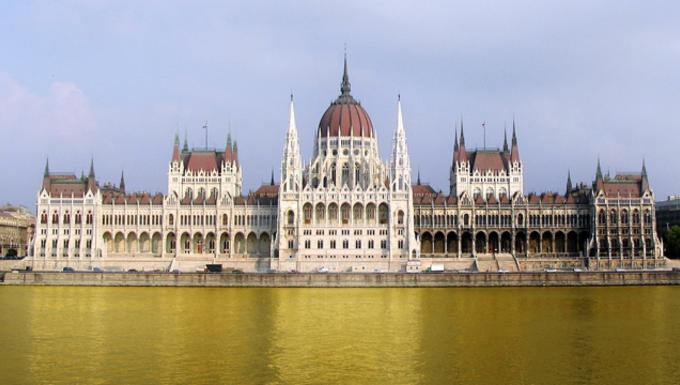 Budapest, a húgyszag fővárosa