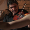 A tücsök és a hangya erdélyi analógiája – debütál az Én és a hegedűm