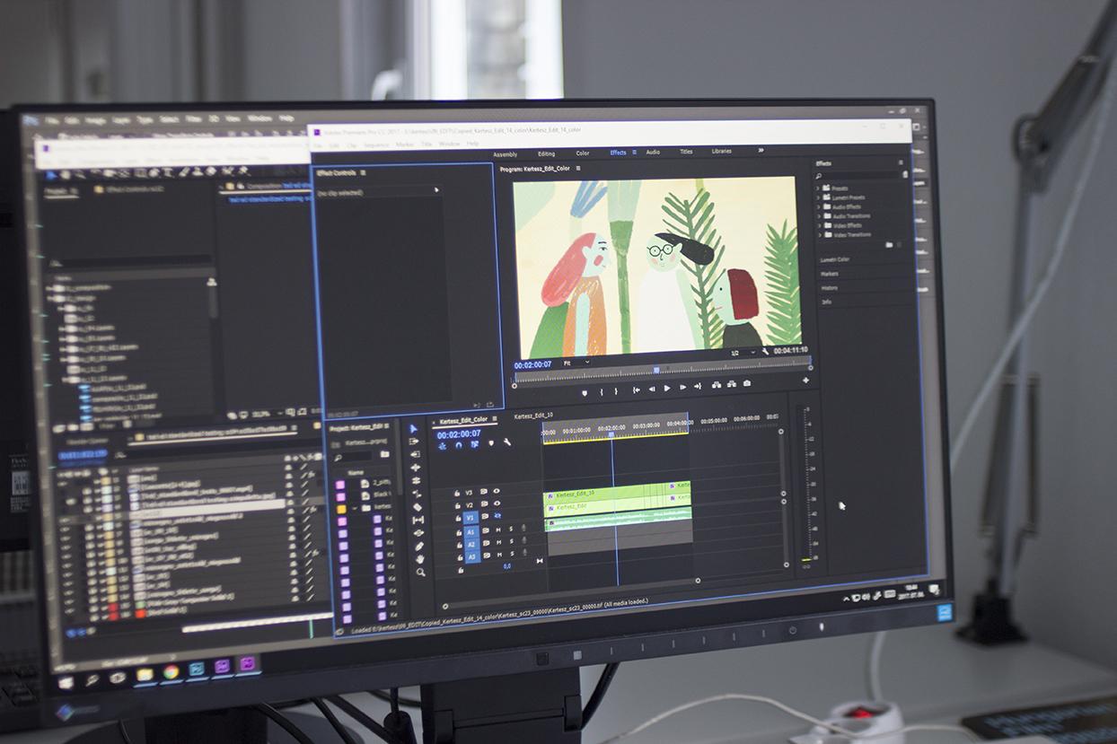Számítógépes képernyő videószerkesztő programmal, amelyen éppen a Volt egyszer egy kertész című animációs film készül