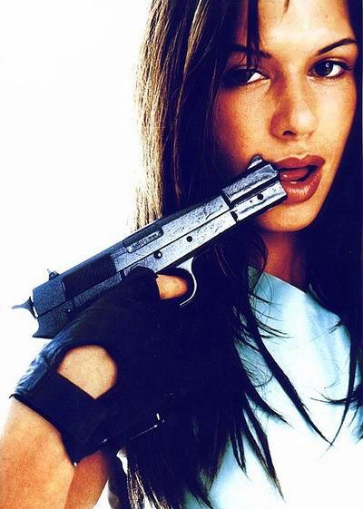 1997 és 98 között az első hivatalos Lara Croft, aki annyira eggyé vált szerepével, hogy még egy mellnagyobbító műtétet is bevállalt, amit mellesleg a saját apja végzett (aki értelemszerűen plasztikai sebész volt). Laraként rengeteg fotózáson, interjún, közszereplésen esett át, még videoklipet is forgatott. Mindezek ellenére az Eidos máig tisztázatlan okokból kirúgta, ami sokkolta a rajongókat.