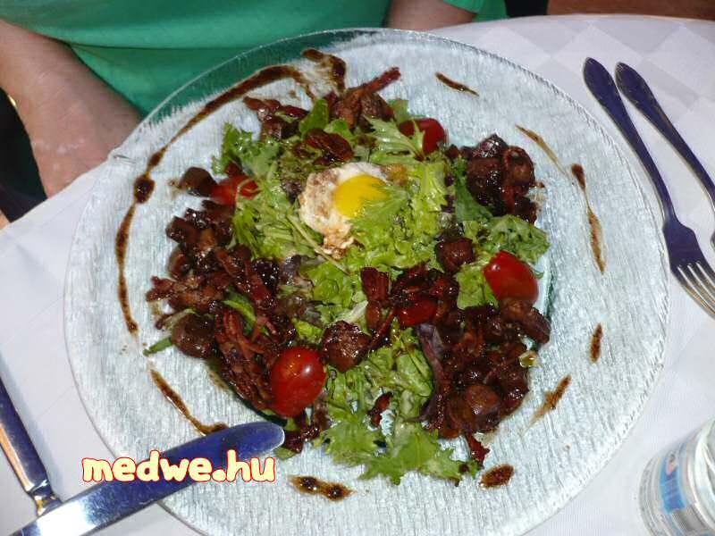 Peti saláta nem csirke, hanem borjúmájjal
