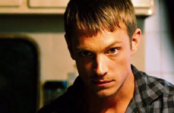 joel_kinnaman_in_safe_house.jpg