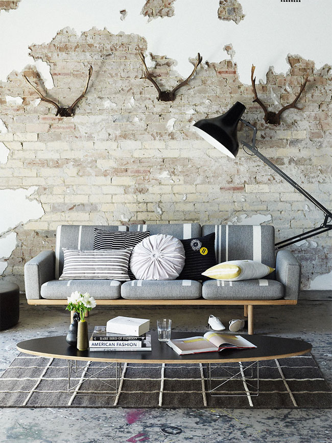 brick-wall-interior-in-classic-and-modern-style-14.jpg