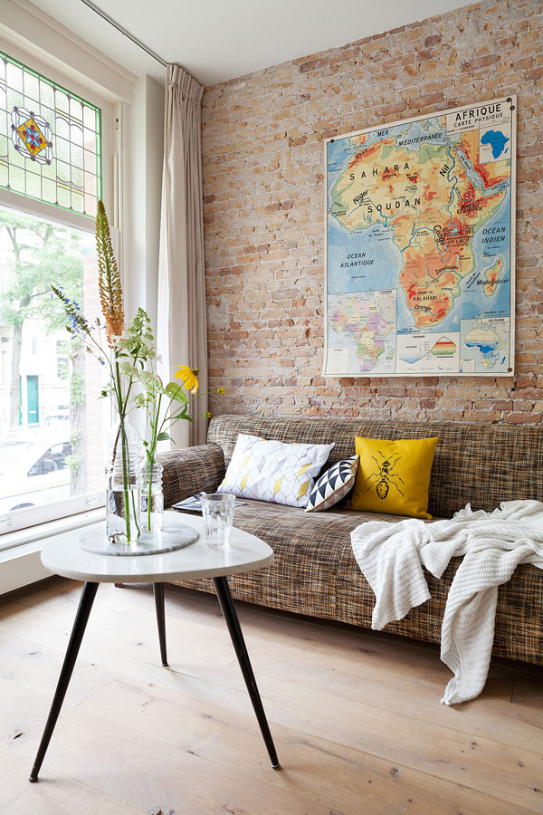 brick-wall-interior-in-classic-and-modern-style-43.jpg