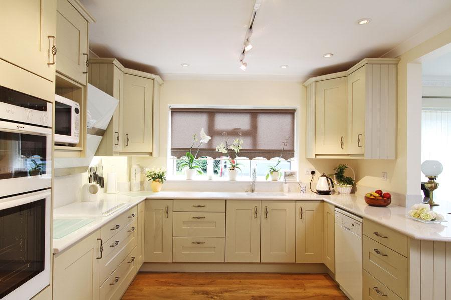 u-shaped-kitchen-designs-30-modern-classic-interiors-22.jpg