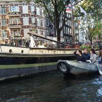 Füvezés és kirakatnézegetés Amszterdamban (Saját Félelem és reszketés Las Vegasban-remake)