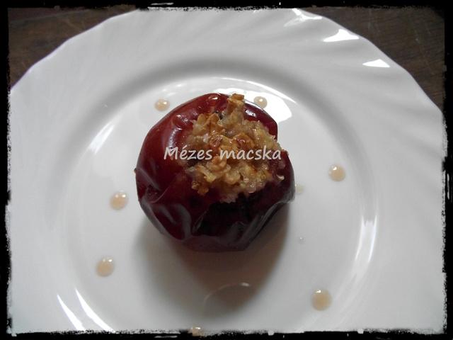 Sült alma mézes zabpehellyel töltve
