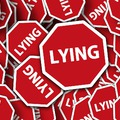 A hazugság jelei - ne hagyd magad megvezetni!