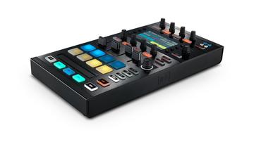 Új DJ kontroller a Traktor családban