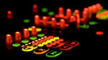 Szivárogtat az M-Audio