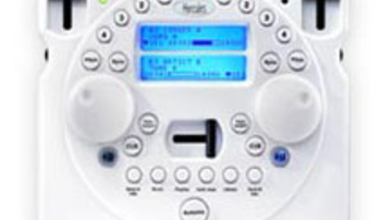 Itt a drót nélküli DJ kontroller