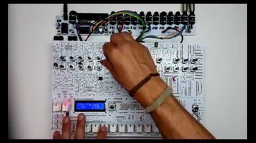 Megépíthetjük a TR-909-es dobgépet