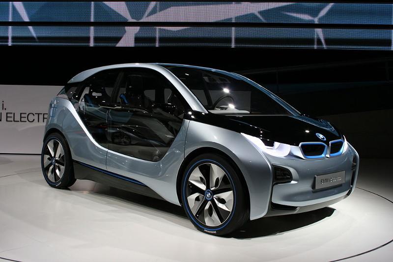 BMW i3 elektormos autó - exkluzív -gazdag - luxus - prémium - presztizs