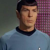 Spock a Spacebookkal ismerkedik