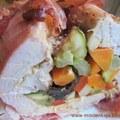 Fehérborban párolt zöldségekkel  göngyölt pulykamell
