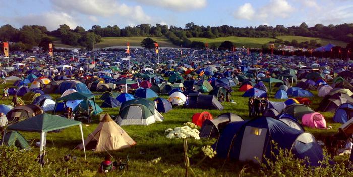 Nyári fesztivál, sátorozás, kempingezés