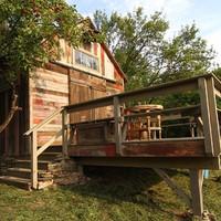 Vadregényes építmények: Csűrből vadászház