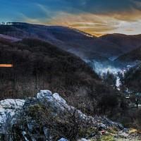 A Molnár-szikla legendáinak nyomában