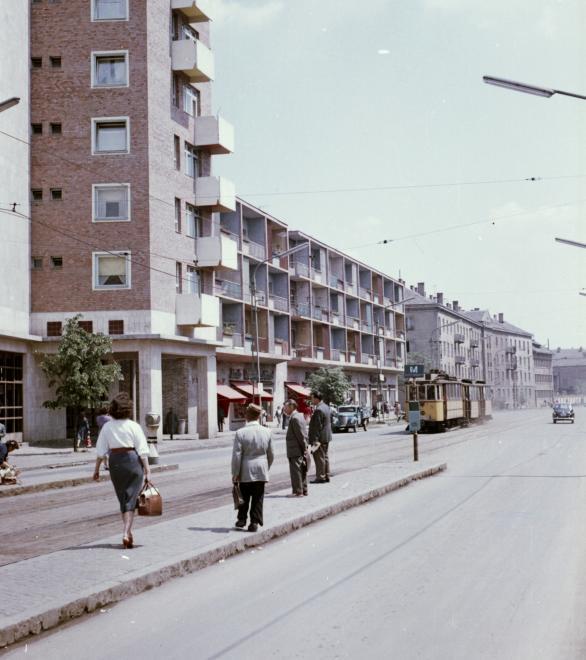 1963_bajcsy_zsilinszky_utca_az_ady_hid_felol_nezve.jpg
