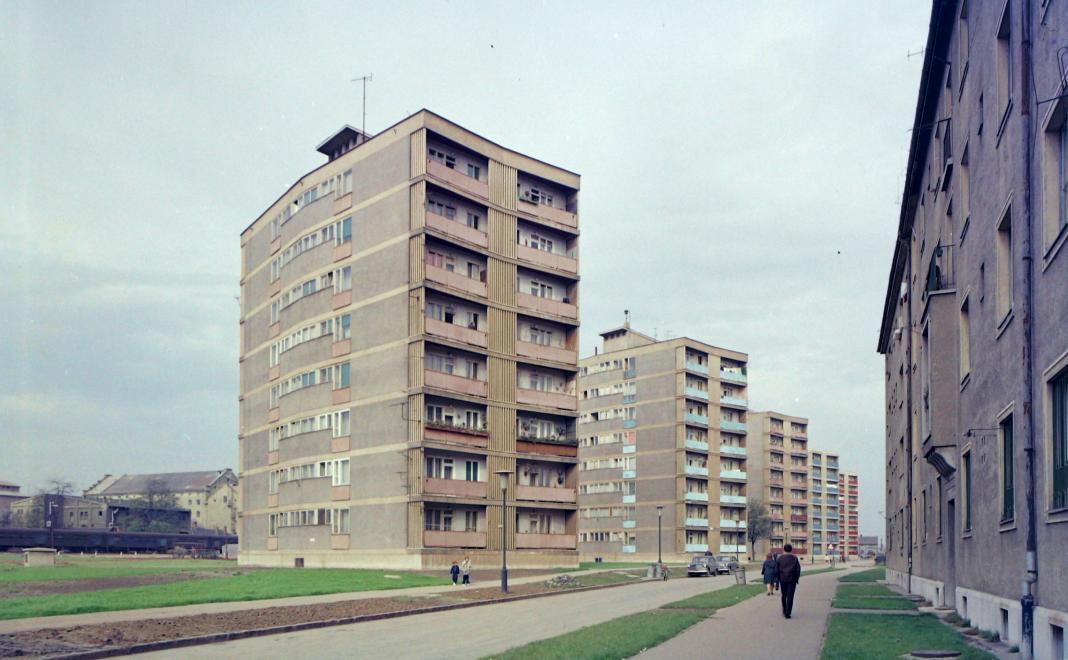 1966_korosi_csoma_sandor_utca_a_bajcsy_zsilinszky_utca_felol_nezve.jpg