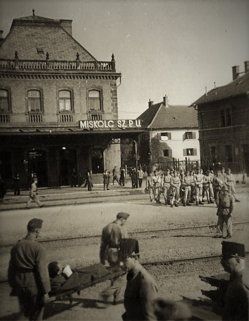 1942_sebesult_honvedok_a_tiszain.jpg