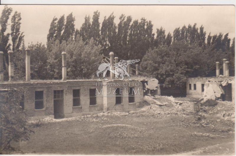 És a lerombolt Járványkórház...