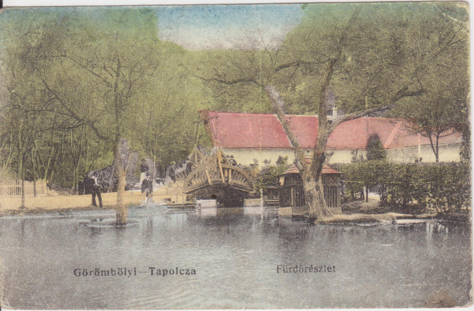 Színezett képeslap a régi fürdőépületről