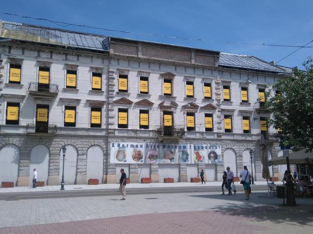A Korona-Avas szálló története