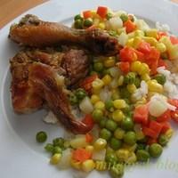 Sült csirkecomb, 2 személyre, rizzsel, zöldségkörettel vagy csemegekukoricával