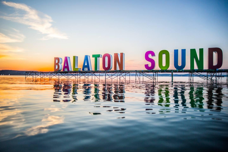 Mik kavarták fel a Balaton virtuális állóvizét idén nyáron?