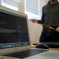 Kód: webszerkesztés