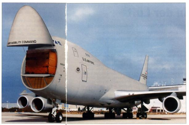 c-33_747-400f_usaf.jpg