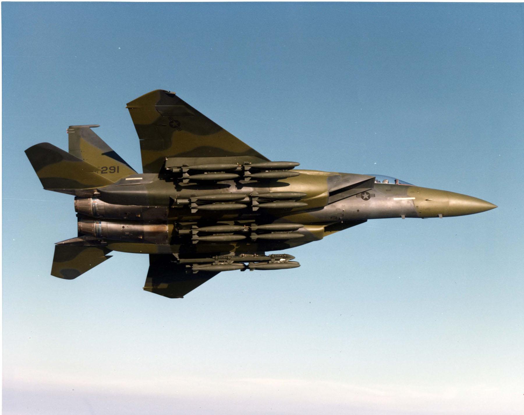 mcdonnell-douglas-f-15e-strike-eagle-prototype-modified-f-15b-4-mc-71-0291.jpg