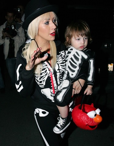 celebrity-kids-halloween-costumes-pictures-2014-e1412916178121.jpg