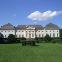 Kastély a határon, ahol kihalt a Habsburg-ház férfiága