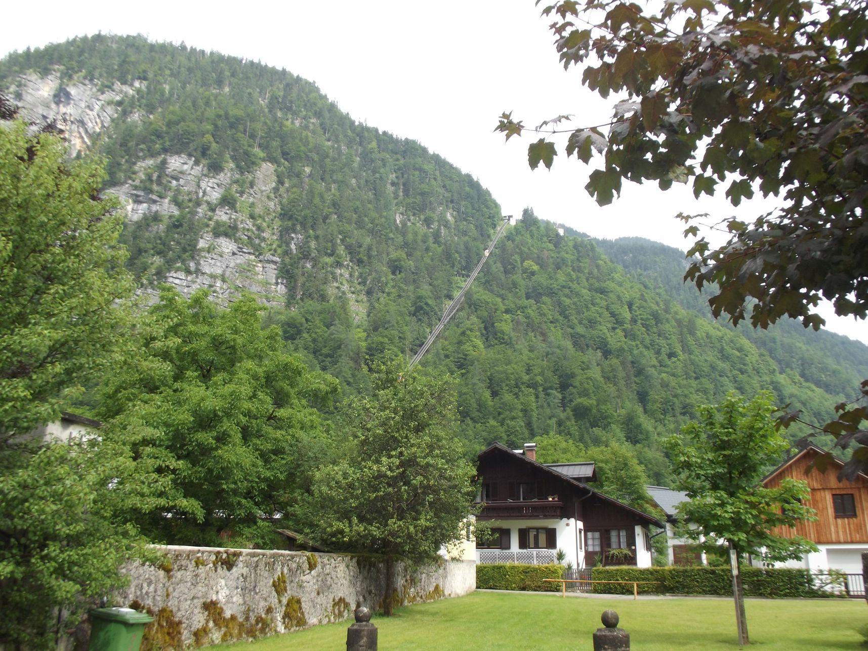 Salzbergbahn a távolból