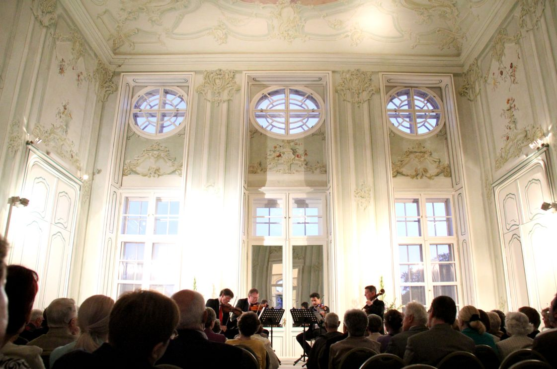 08 - Koncert a kastélyban (forrás: www.schlosshalbturn.com)