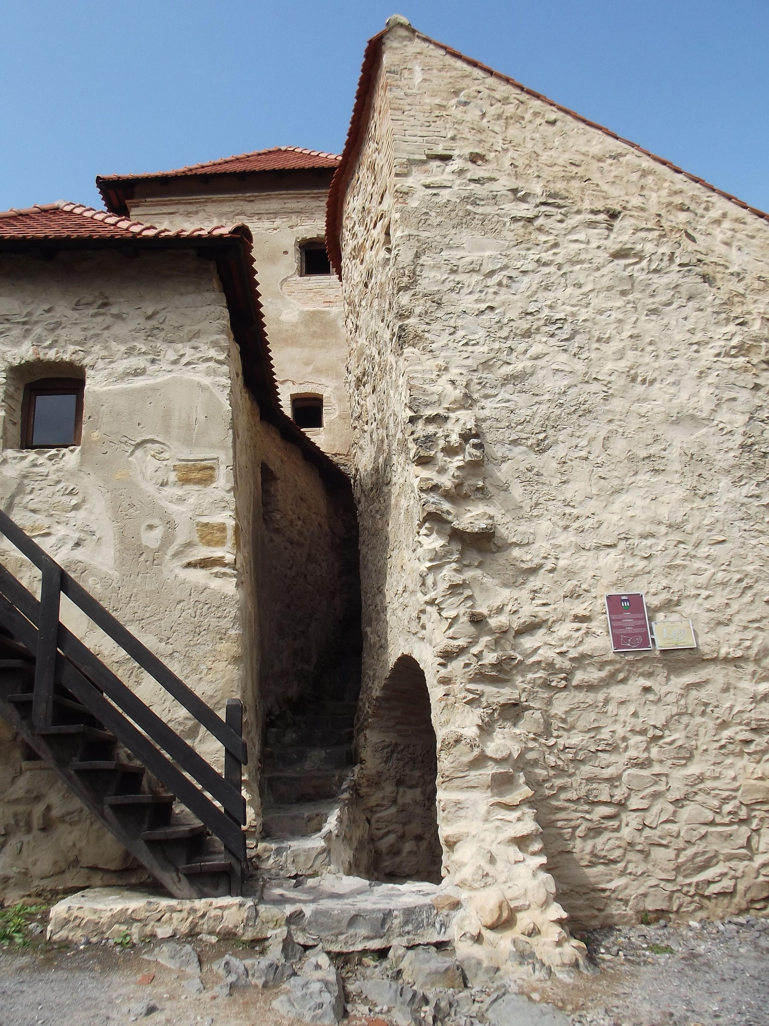Házak a várban
