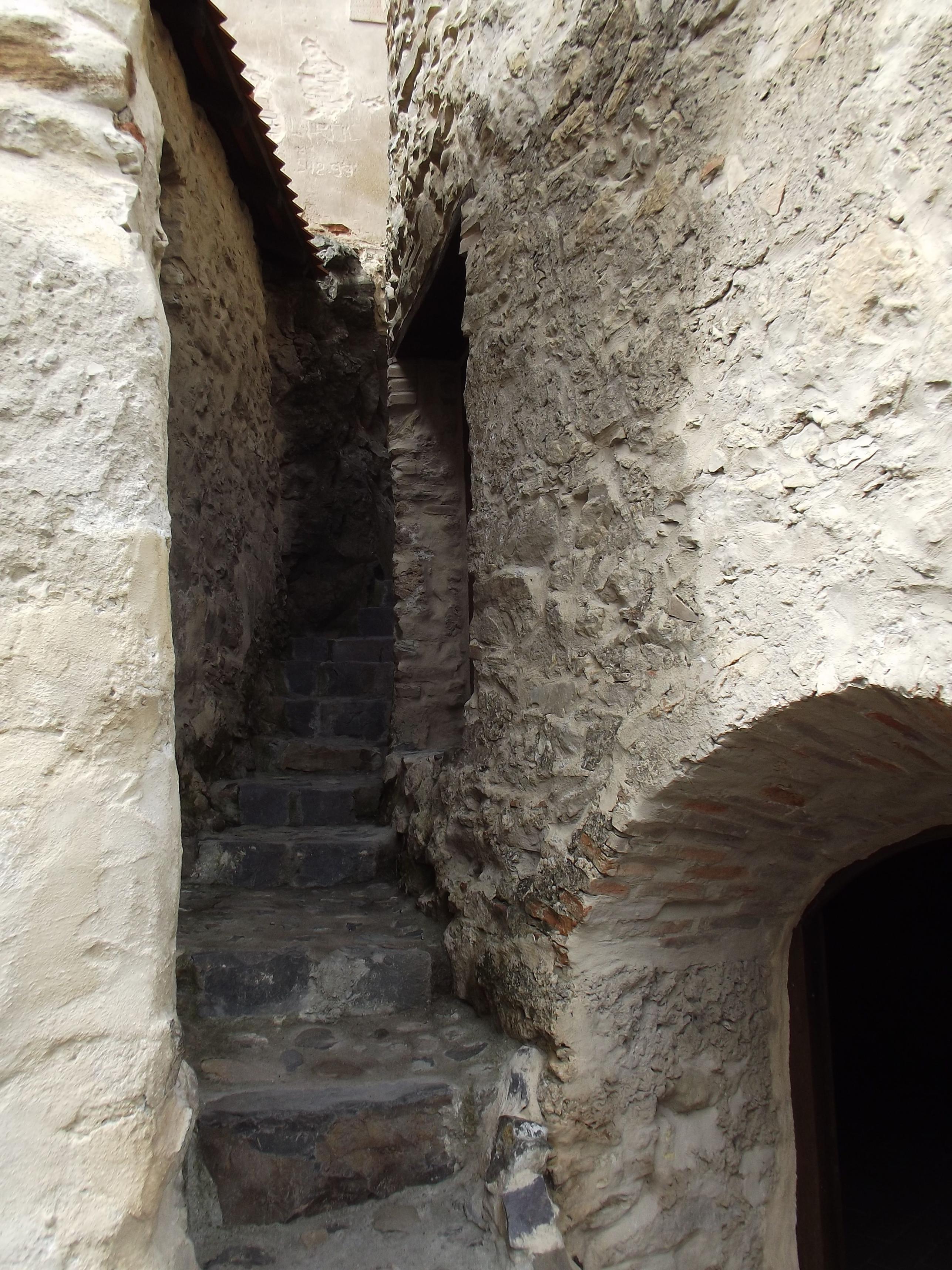 Lépcső a házak között
