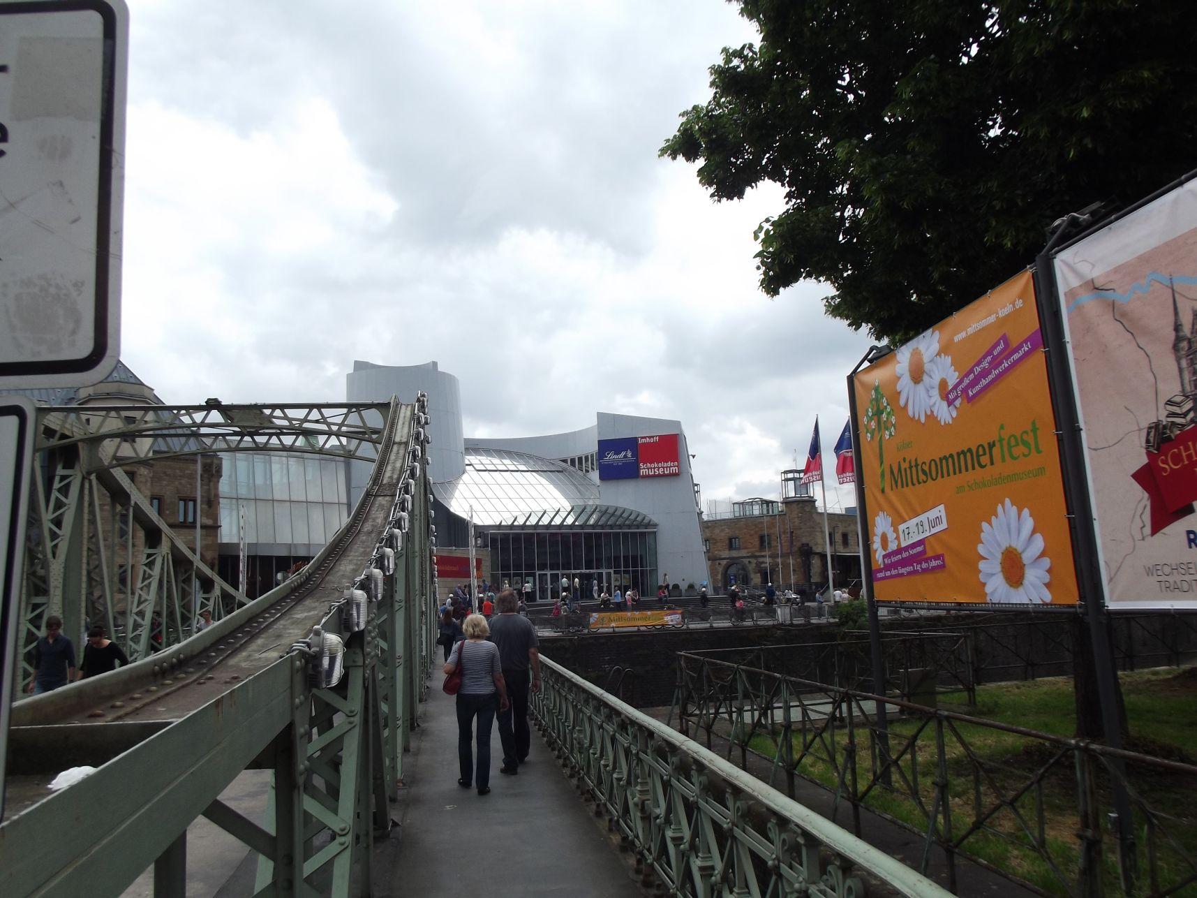 Híd a csokimúzeumba
