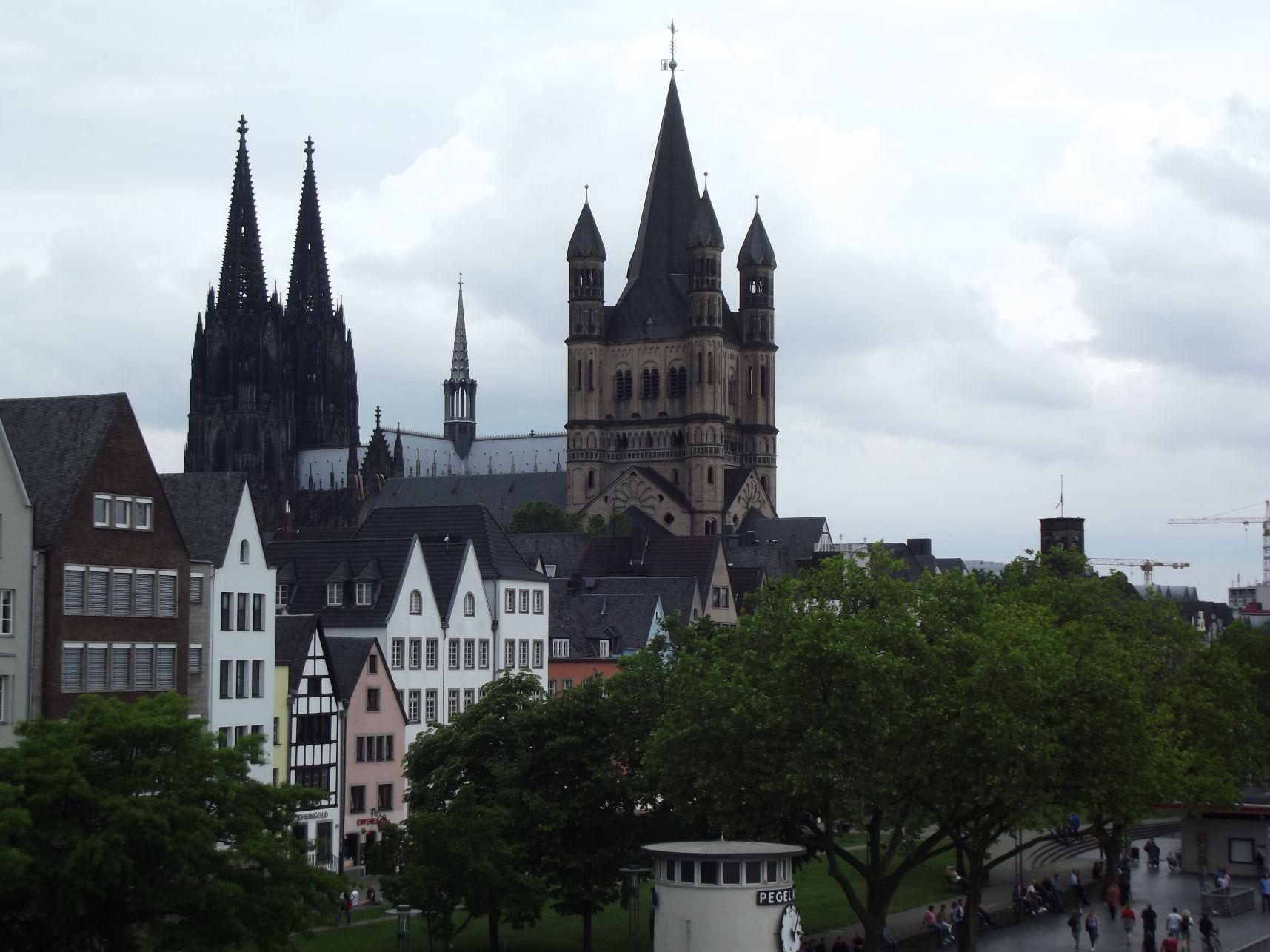 A dóm és a Szent Márton-templom