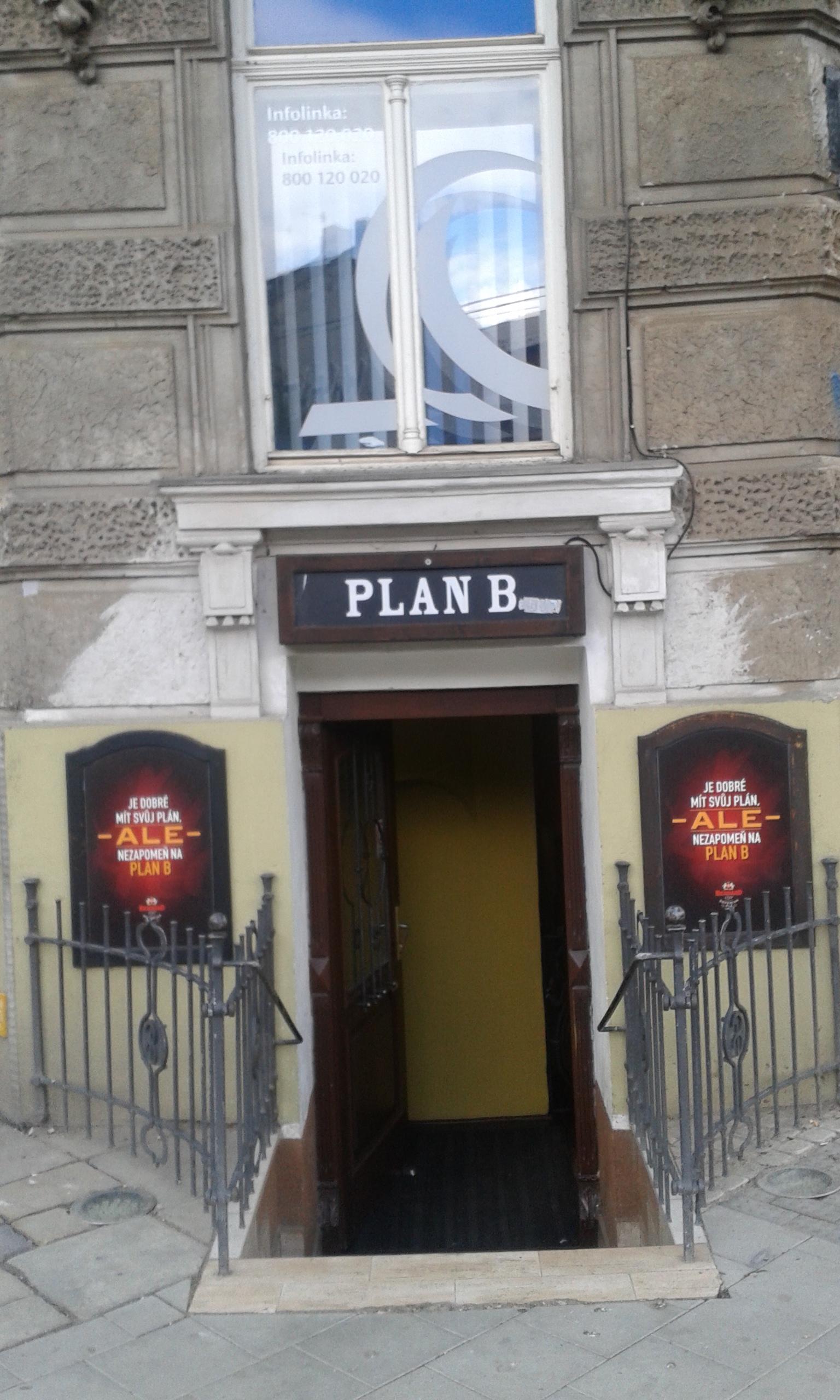 Plan B bejárata